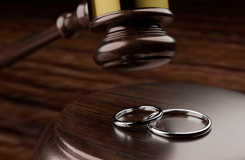 ガベルと結婚指輪