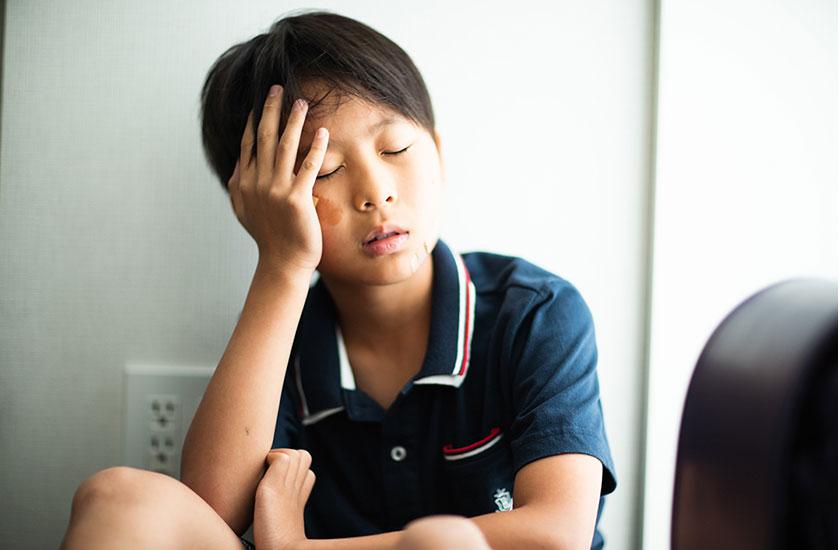 親の不倫が原因で学校に居づらくなった子供
