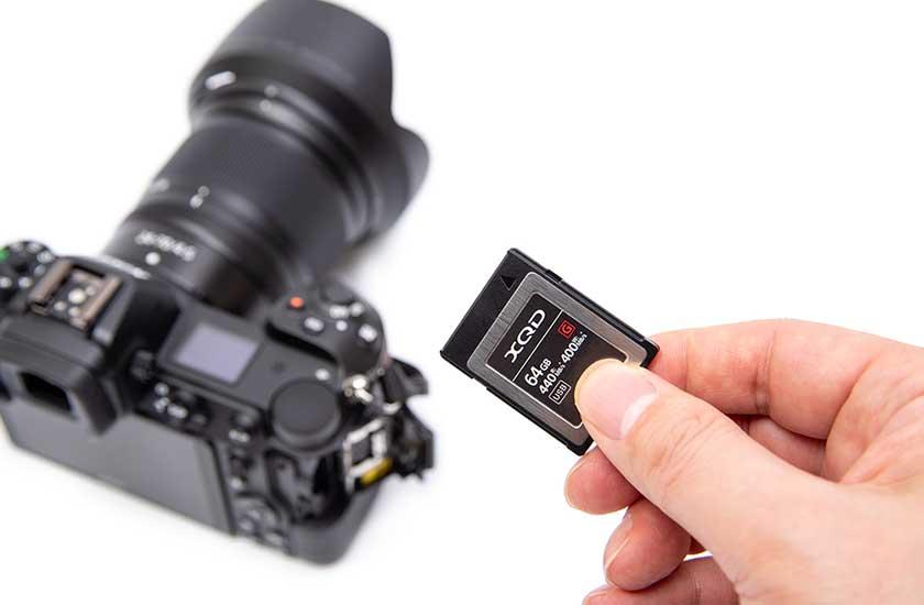 デジタルカメラとメモリーカード
