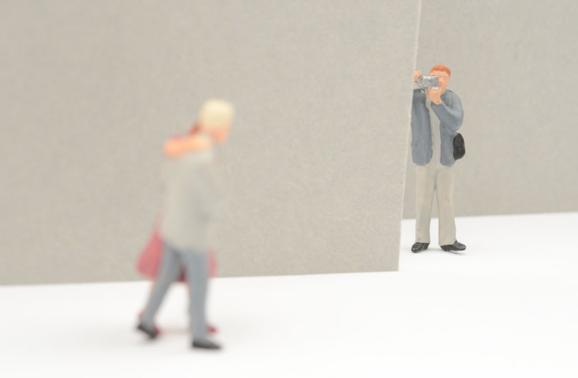 浮気の証拠を集める探偵のイメージ