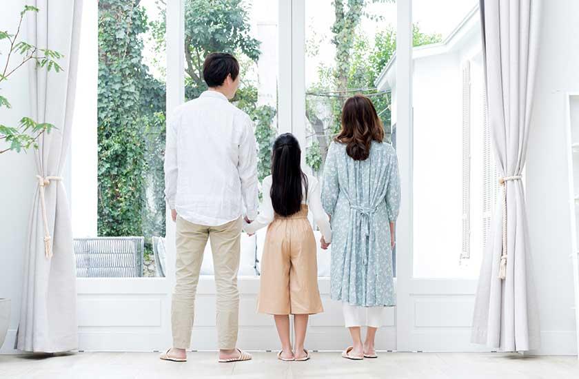 W不倫している夫と家族