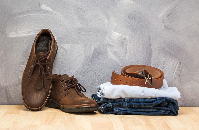 男性の衣服