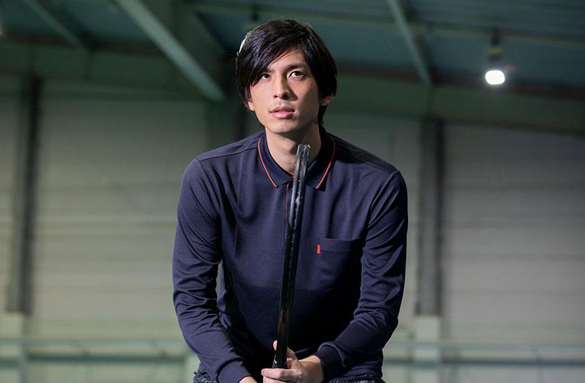 イケメンのテニスコーチ