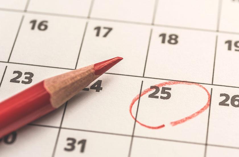 25日にチェックがついたカレンダー
